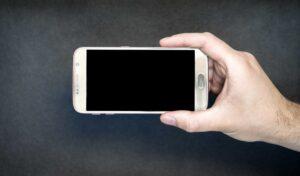 मोबाईल विकत घेताना तुम्ही काय बघता ? | Let's Identify Top 8 Types of Mobile Screens