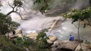 जगातील एकमेव उकळत्या पाण्याची नदी